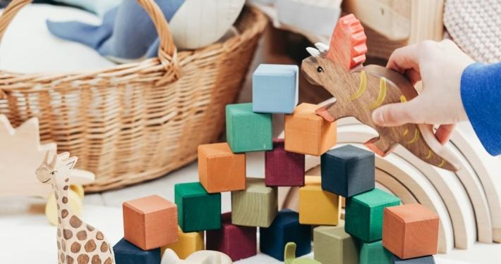 jouets en bois ludiques et pédagogiques