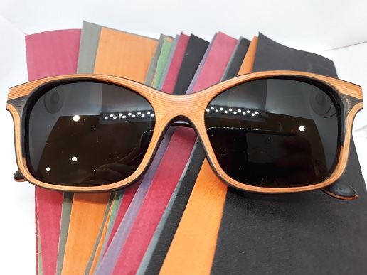 Lunettes de soleil bois orange et noir