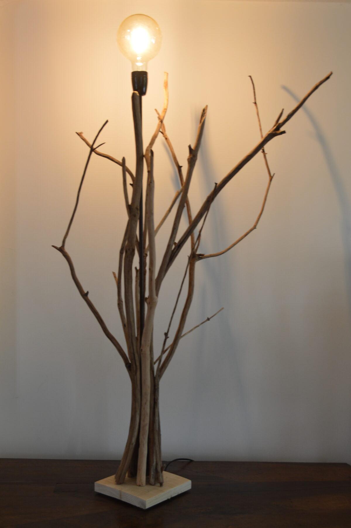 PHILOMÈNE - Luminaire en bois avec douille noire